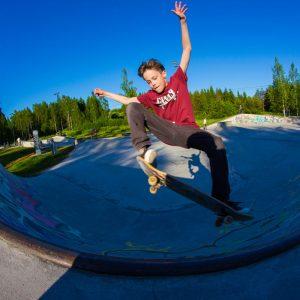 Silky-skateboards-t-paita-kalle